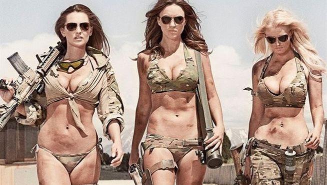 Unas modelos se cuelan en una base militar sin permiso ¿qué harán los soldados?