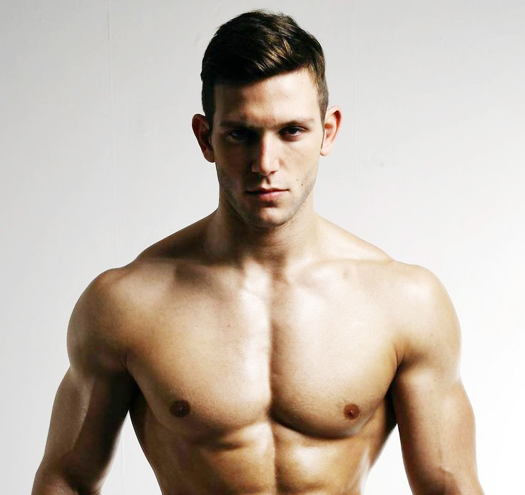 Diego Sechi desnudo: no te pierdas ni un músculo del campeón de fitness de Europa