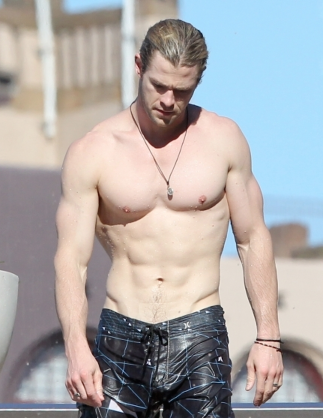 Chris Hemsworth desnudo