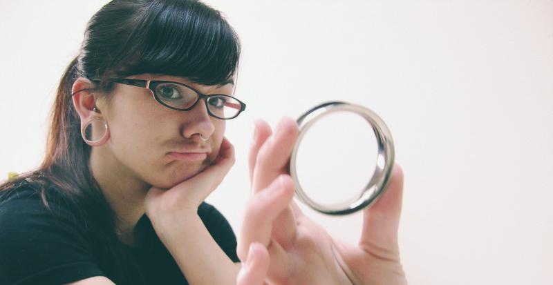 Lobulopatía: la última moda para corregir esas 'dilataciones' que ya no se llevan