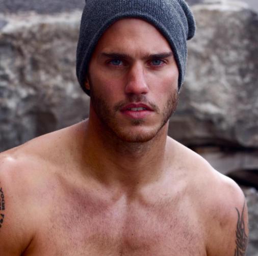 Samuel Finn desnudo: el canadiense de ojos azules que te volverá loca