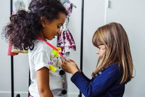 La diseñadora más joven del mundo de la moda solo tiene 4 años