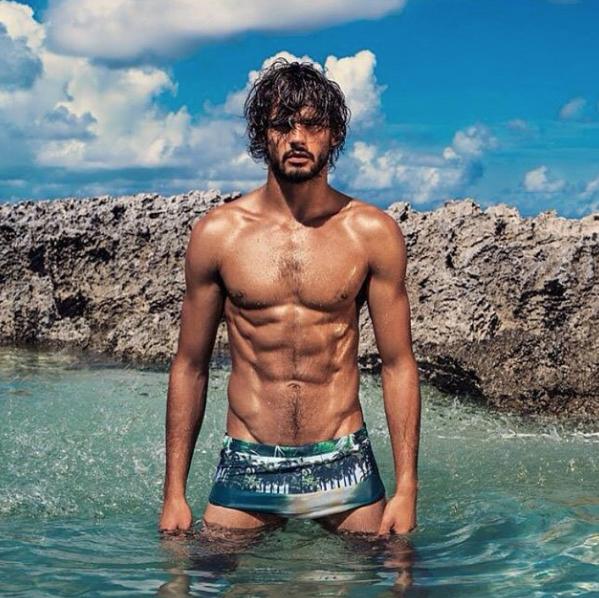 El modelo Marlon Teixera desnudo en su Instagram