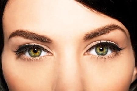10 consejos que cambiarán tu uso del eyeliner para siempre