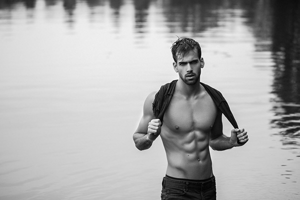Yotam Shwartz desnudo: la belleza de Israel