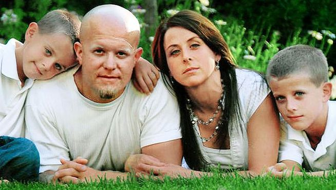 Asesinó a toda su familia para casarse con su amante porque estaba en contra del divorcio
