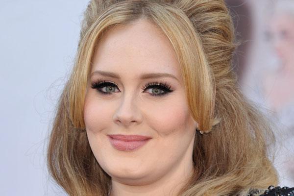 ¿Sabes cómo maquillarte para parecer más delgada?