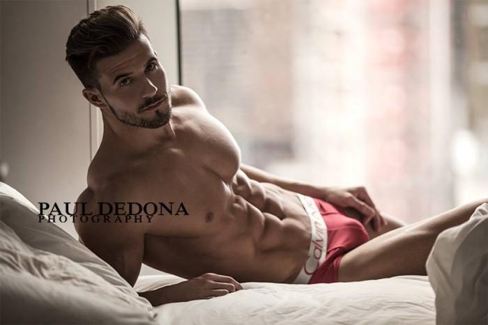 Antonio Pozo Galiano desnudo: seducción sureña