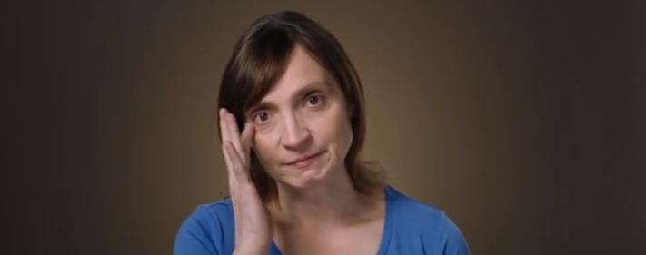 Así reacciona esta madre al escuchar lo que su hijo piensa del trabajo que hace en casa