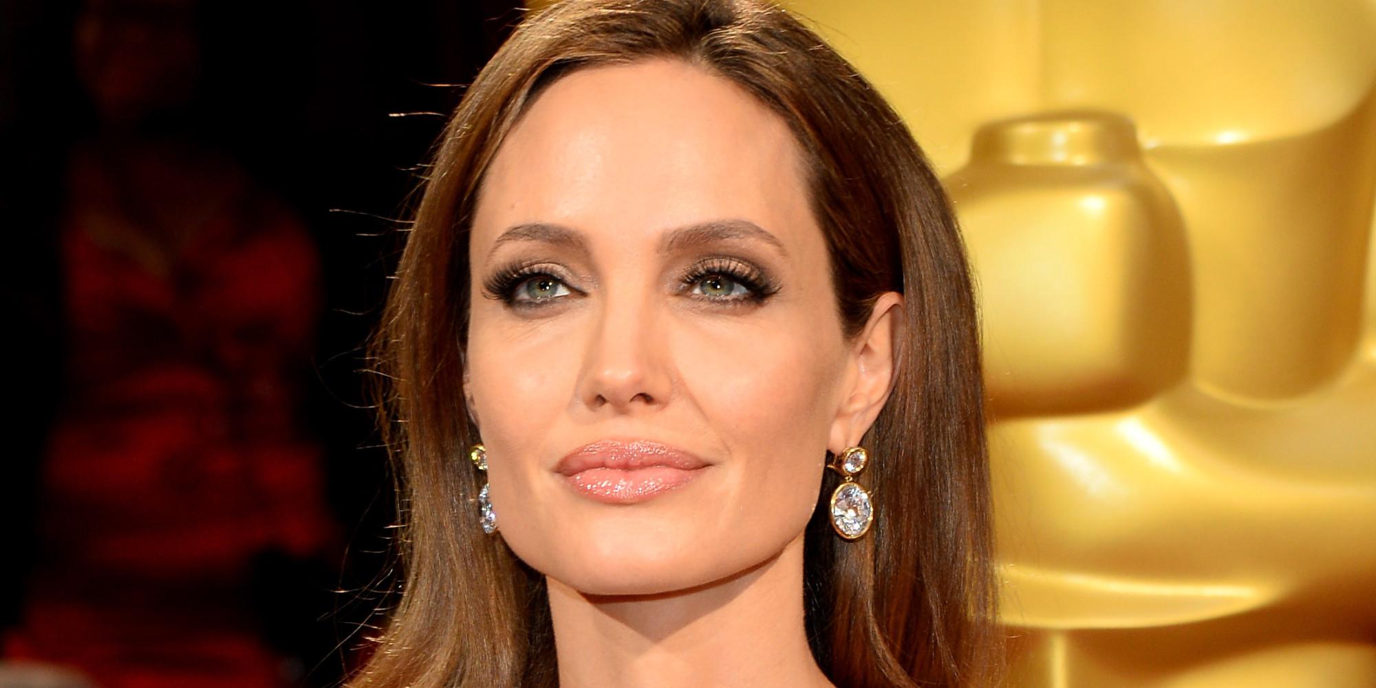 Angelina Jolie se ha extirpado los ovarios para evitar el cáncer
