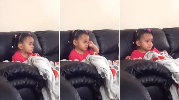 El emotivo vídeo de una niña viendo la muerte de Mufasa en 'El Rey León'
