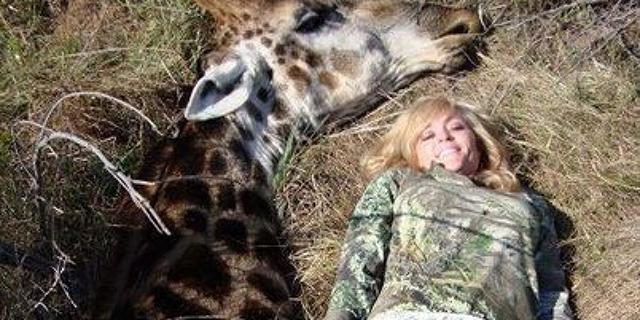 Polémica por la chica que presume de matar jrafas