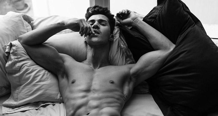 El increíble modelo Clauss Castro desnudo
