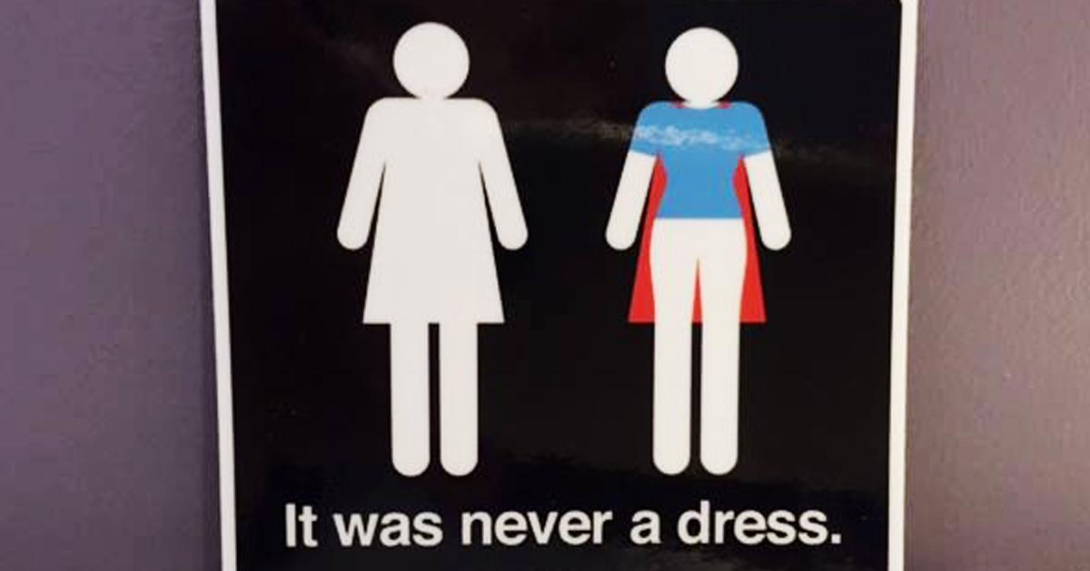 ¿El cartel de las mujeres en los baños? Nunca fue un vestido