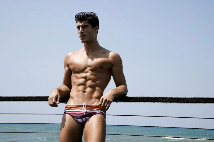 Las fotos más sensuales de Oran Katan desnudo
