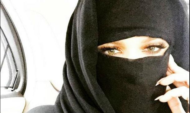 ¿Qué famosa se ha pasado al burka?