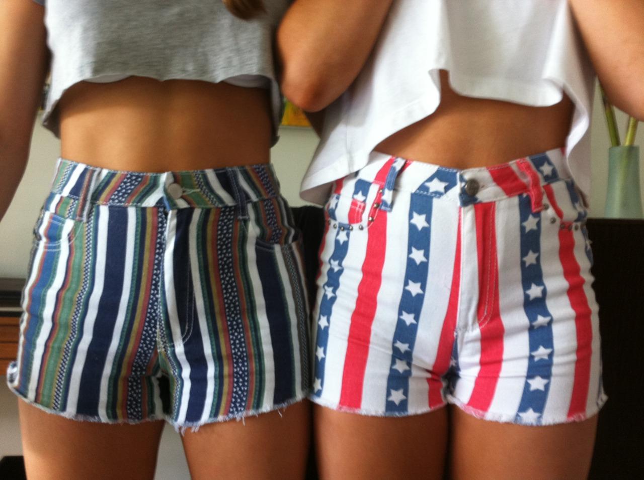 ¿Te puede multar la DGT por llevar shorts demasiado cortos?