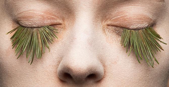 Estas pestañas postizas hechas de hierba son 100% naturales