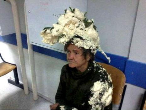 En urgencias por confundir espuma del pelo con espuma de construcción