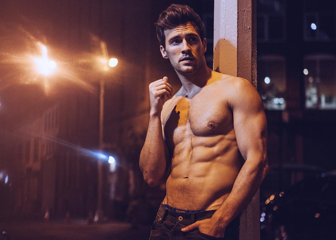 El impresionante físico de Jesse Dunphy desnudo