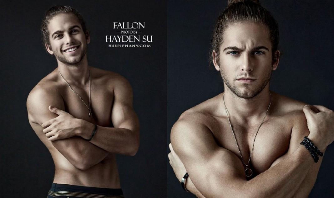Michael Fallon desnudo y guapísimo