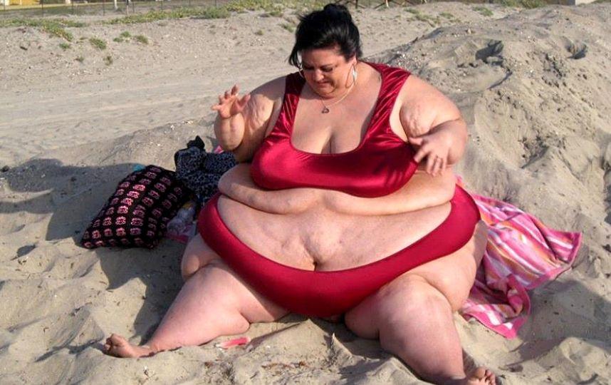 Tuvo que dejar a su novio después de que la hiciera engordar hasta 300 kilos