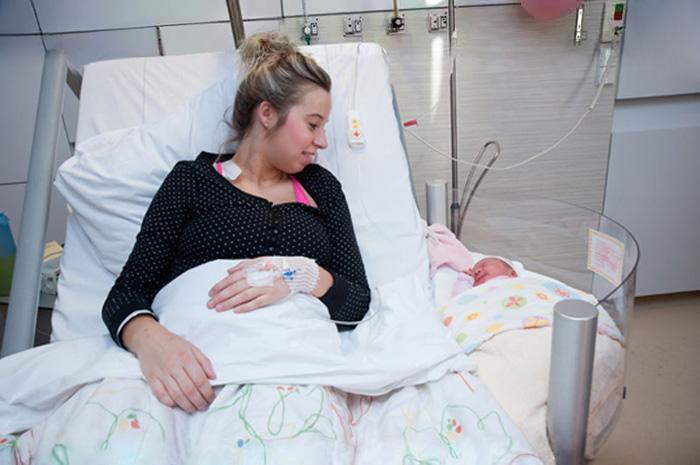 Esta cama de maternidad ha sido todo un descubrimiento para los hospitales