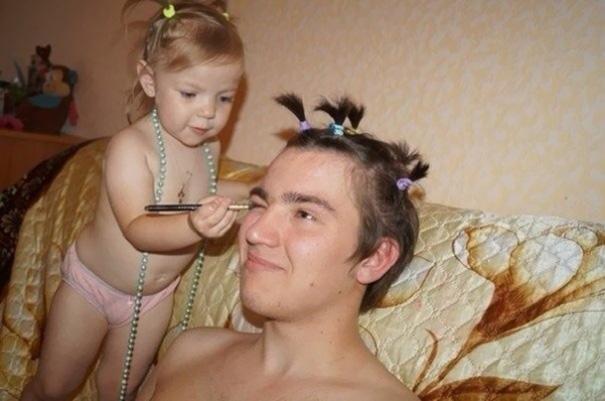 20 padres que pusieron su belleza en manos de sus hijas
