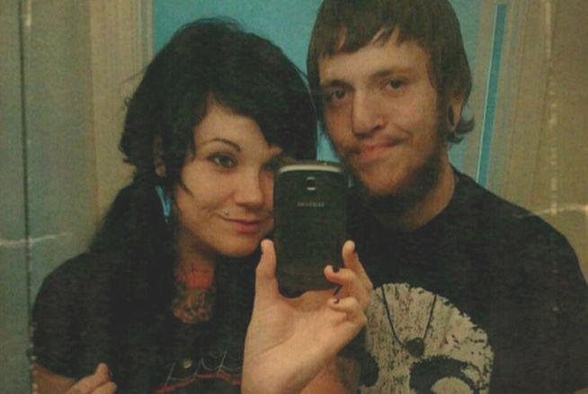 Cuenta en Facebook cómo apuñaló a su exsuegro y publica una foto del cadaver