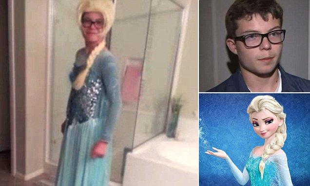 Un colegio obliga a un niño a quitarse el disfraz de Elsa en la fiesta de disfraces