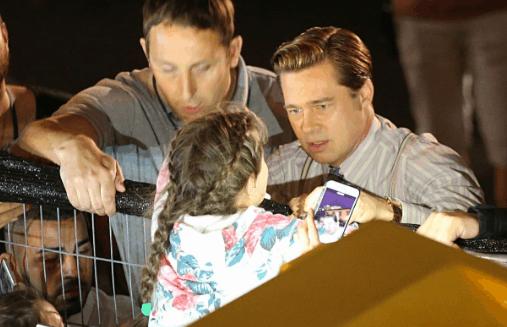 Mira lo que hizo Brad Pitt por una pequeña fan que estaba a punto de ser aplastada