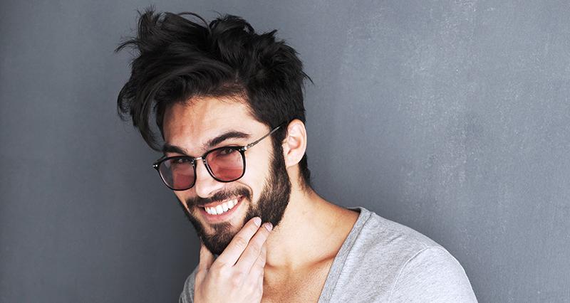 ¿Nos resultan más atractivos los hombres que sonríen? No siempre