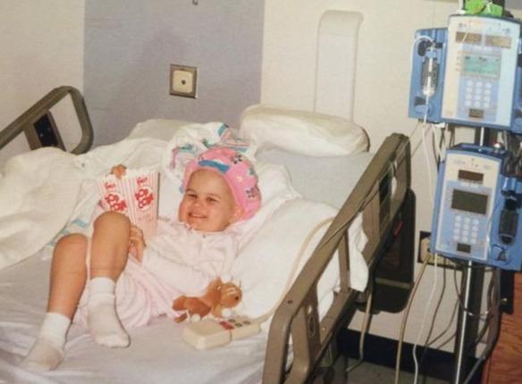 Cumple sus sueño de trabajar en el hospital donde le trataron el cáncer de niña