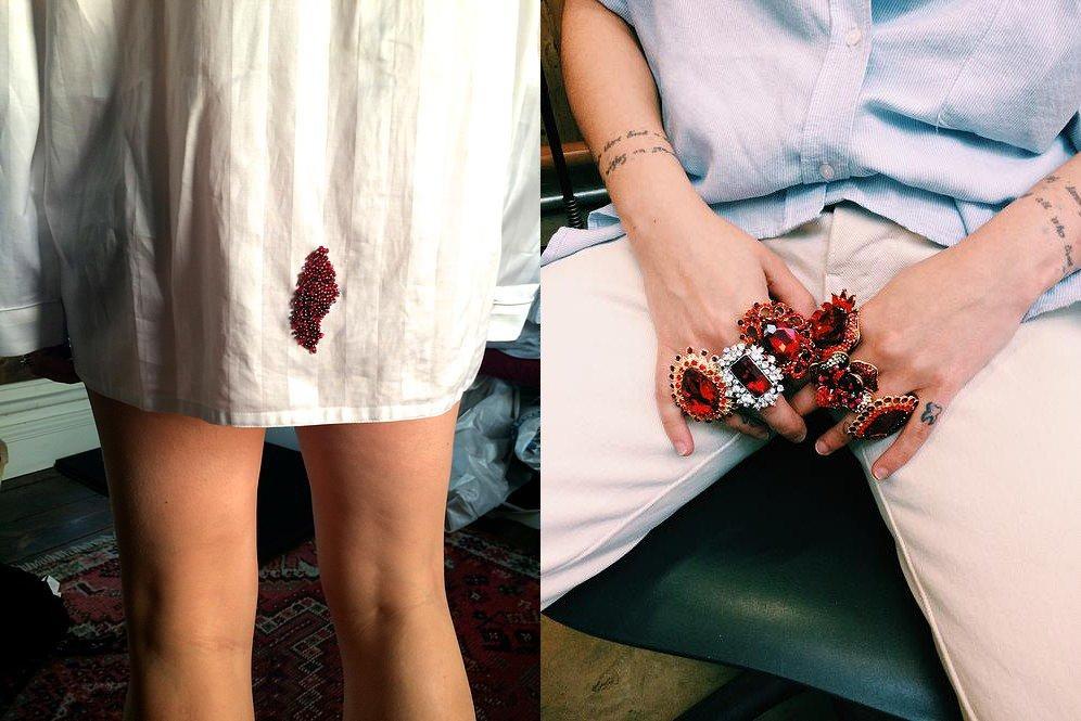Esta diseñadora convierte lo peor de la menstruación en increíbles joyas