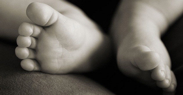 Un niña de 2 años, ingresada en estado grave por seguir una dieta vegana