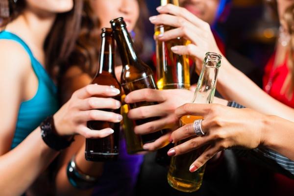 La drunkorexia, cada vez más común entre las mujeres