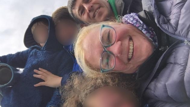 Mandan a callar a su hija discapacitada en un vuelo y así contesta ella