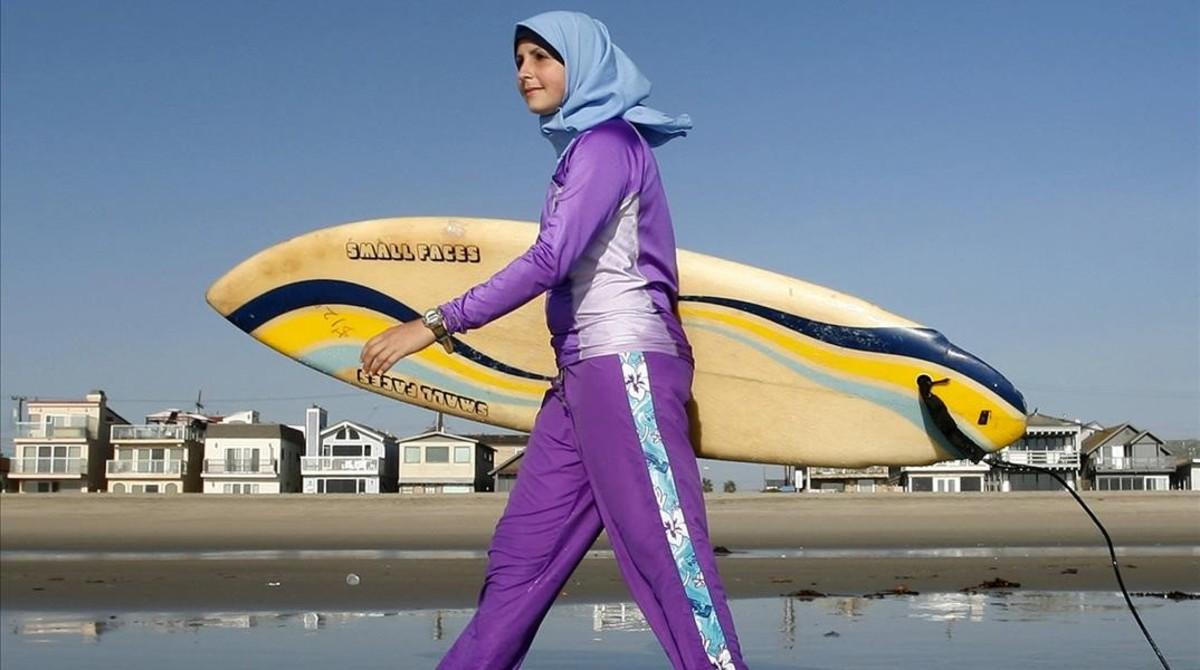 ¿Está bien que se prohíba el burkini en las playas?