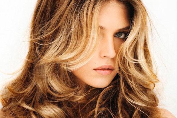 Tinte casero de pelo con mechas: consejos para un resultado profesional