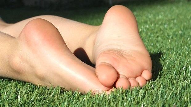 8 consejos para acabar con las durezas de los pies