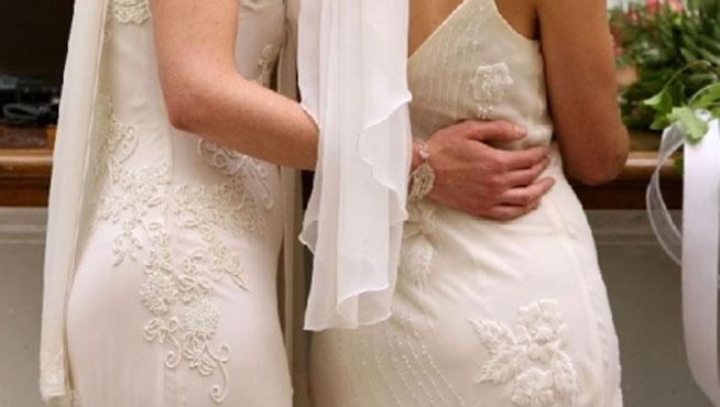 Dos monjas se enamoran y dejan los hábitos para casarse entre ellas