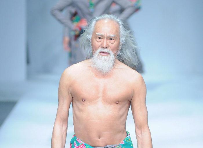 """""""El abuelo buenorro de China"""" debuta como modelo a sus 80 años"""