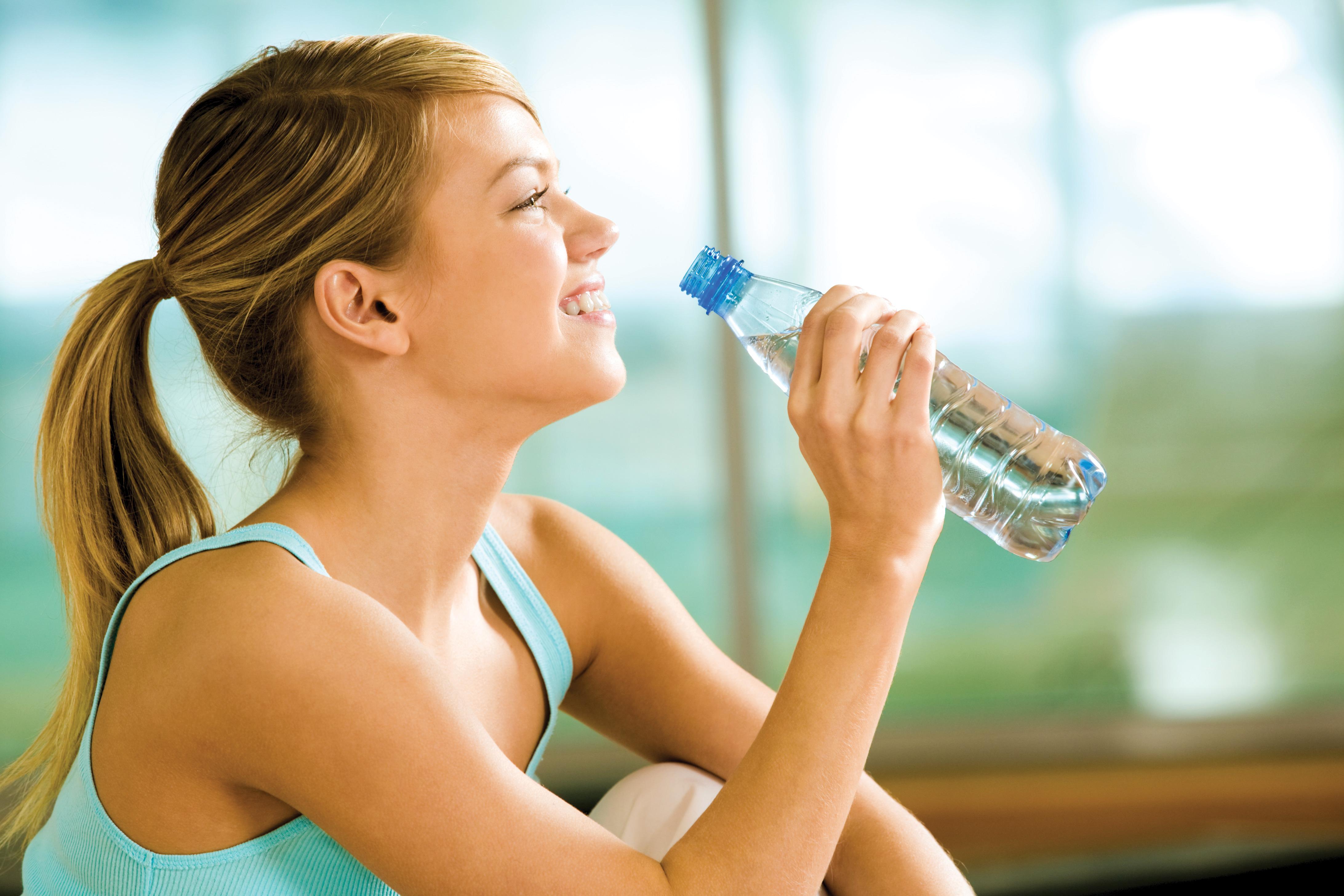 10 consejos para evitar la retención de líquidos