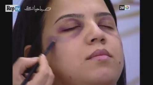 Esta televisión enseña a las mujeres maltratadas a cubrir sus marcas con maquillaje