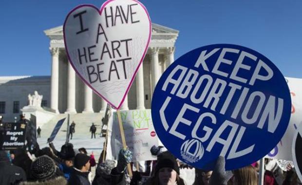 Texas obligará a las mujeres que aborten a hacerle un funeral al feto