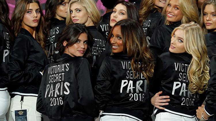 Revelan el alimento clave de la dieta de los 'ángeles' de Victoria's Secret