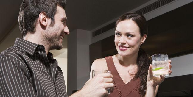 ¿Cómo saber si le gustas? 6 consejos para saber interpretar sus señales