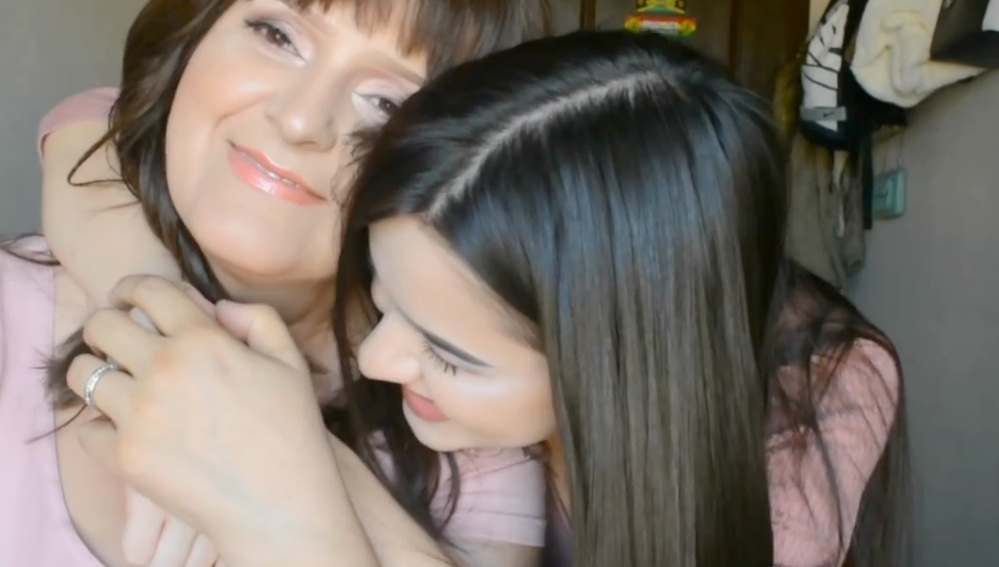 Esta youtuber publicó un conmovedor tutorial de belleza para mujeres con cáncer