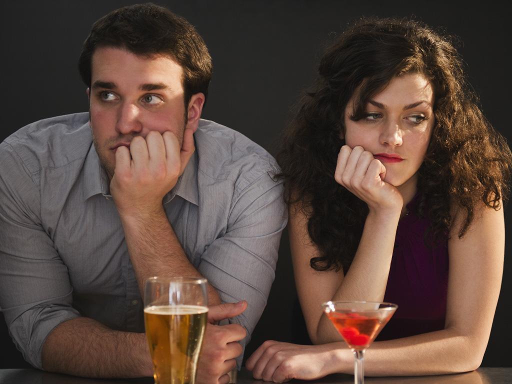 El motivo por el que no consigues una segunda cita podría estar en tu móvil