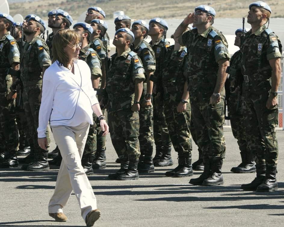 Muere Carme Chacón, la primera mujer que fue ministra de Defensa